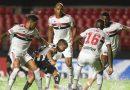 São Paulo desencanta no segundo tempo e atropela Santos no Paulista.