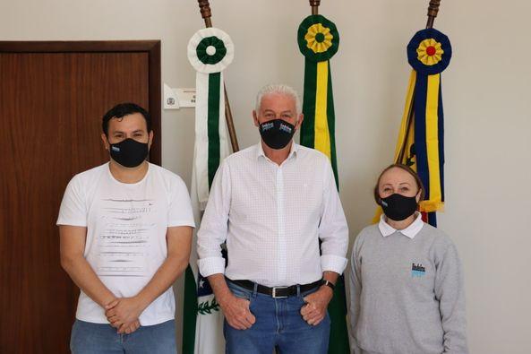 Prefeito Heraldo Trento inicia andamento das demandas do Conselho de Lindeiros.