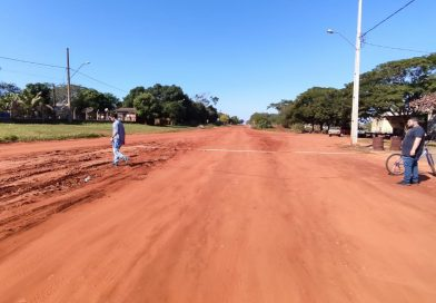 Mundo Novo Meio Ambiente limpa local, entre JK e Adjalmo Saldanha, para projeto de asfalto (ver vídeo)